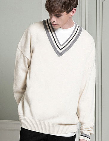 LAMBSWOOL OVERFIT V-NECK KNIT [IVORY]
