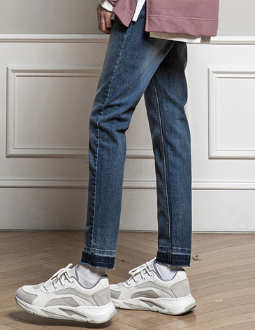 WASHED CUTTING CROP JEAN [LIGHT BLUE]