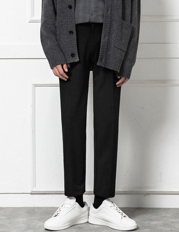 EASY BANDING TAPERED SLACKS [BLACK]