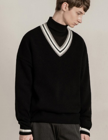 [RE-EDITION] LAMBSWOOL OVERFIT V-NECK KNIT [BLACK]