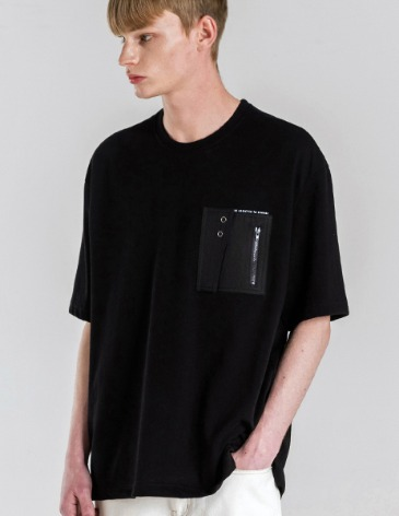 TECHNICAL POCKET PATCH T-SHIRTS [BLACK]