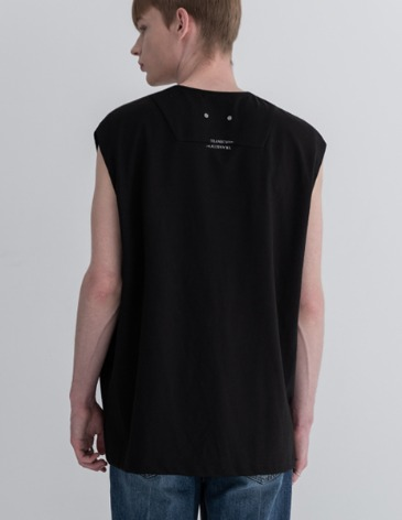 TRANSITION LAYERED SLEEVELESS [BLACK]
