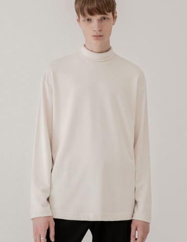 BREED HALF TURTLE-NECK KNIT T-SHIRTS [CREAM]